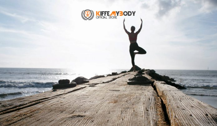 Yoga en la playa. Kiffemybody